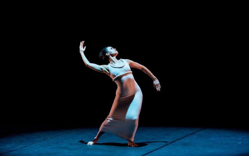 """JANET EILBER, DIRECTORUL ARTISTIC AL MARTHA GRAHAM DANCE COMPANY: """"TEHNICA MARTHA GRAHAM ESTE RECUNOSCUTĂ CA FIIND UN VOCABULAR"""""""